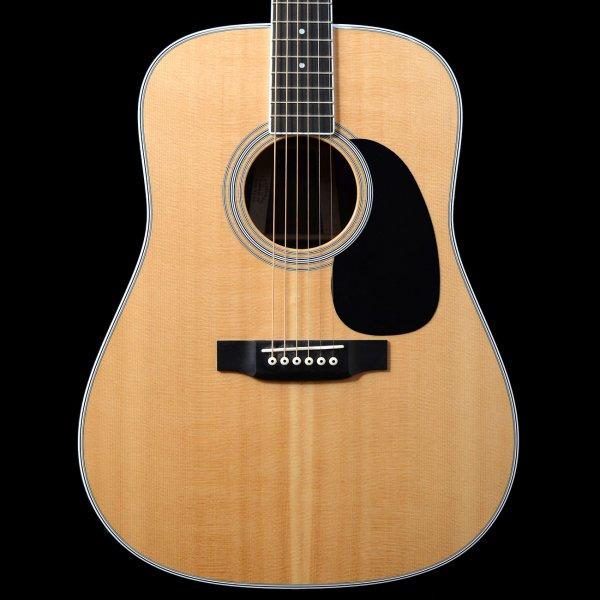 What does dreadnought guitar mean