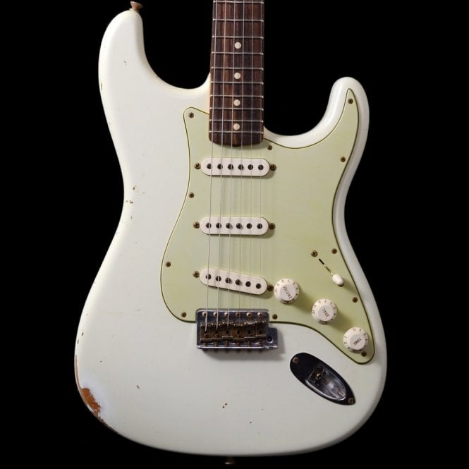 Fender Custom Shop 1960s Stratocaster Relic in Aged Olympic White