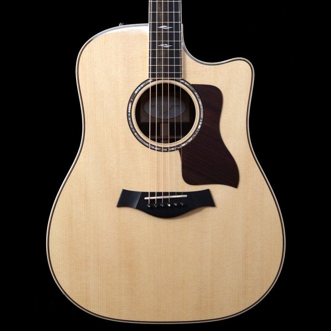 Taylor 810ce Natural Dreadnought Electro Acoustic Guitar with Cutaway