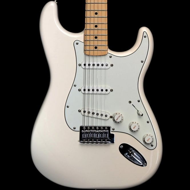 Fender Standard Stratocaster with Maple Fingerboard, Arctic White