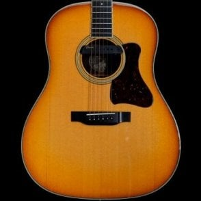 CJ-SB Super Jumbo Acoustic Guitar In Sunburst with Takamine/LR baggs pickup