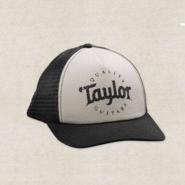 Trucker Cap in Black / White