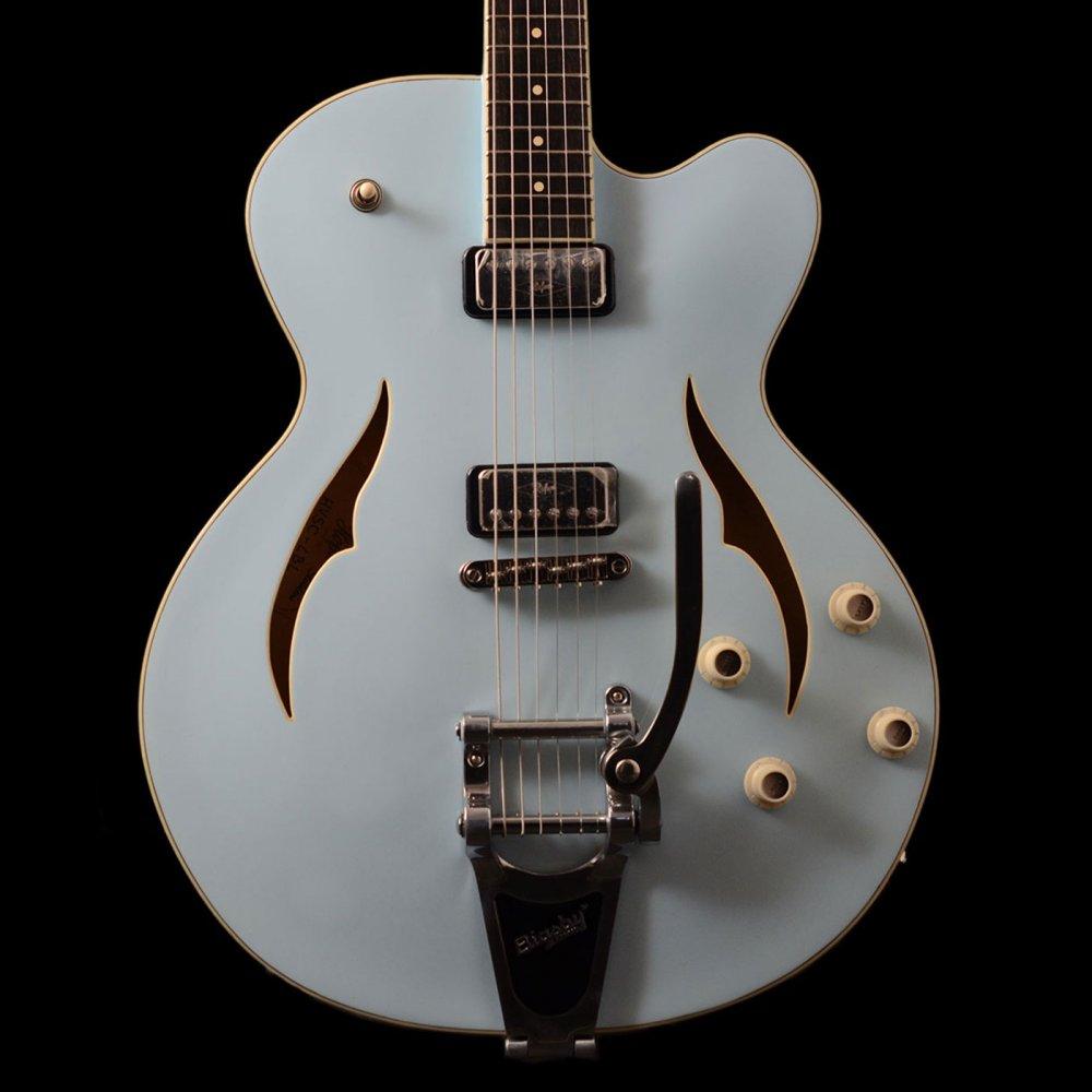 Hofner Verythin Single Cutaway Electric Guitar Light Blue