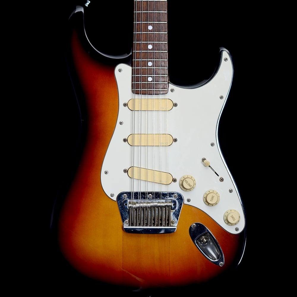 stratocaster xii 12 string electric guitar in 3 tone sunburst made in japan. Black Bedroom Furniture Sets. Home Design Ideas